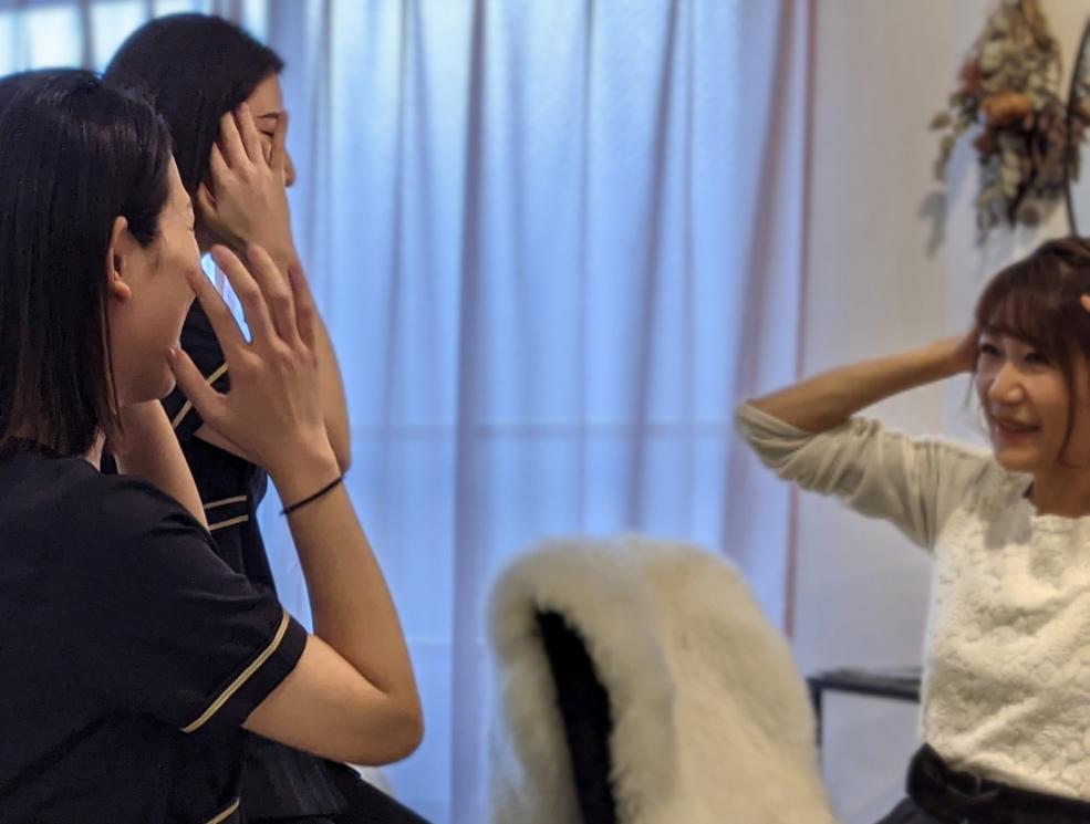 痛みなしに小顔・小頭になれる!「脳洗浄」の美人姉妹セラピスト